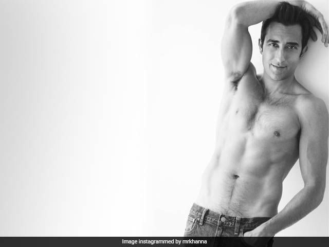 Dear Rahul Khanna, The Comments On Your Pic Need A Cold Shower