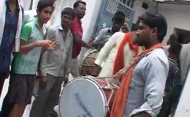 In Ram Nath Kovind's Hometown, DJ, Dance And Promise Of Free Golgappas
