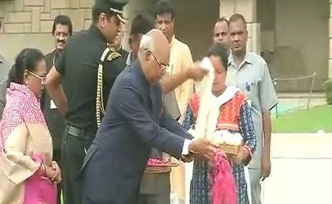 Ram Nath Kovind Visits Rajghat Before Leaving For Rashtrapati Bhavan