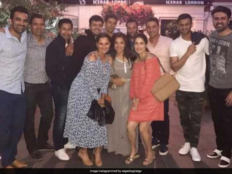 Zaheer Khan, Ashish Nehra Spotted With Sania Mirza and Shoaib Malik in London