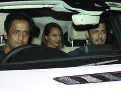 शाहरुख खान से गिफ्ट में मिली 1 करोड़ की कार में 'गर्लफ्रेंड' के साथ घूमने निकले सलमान खान!