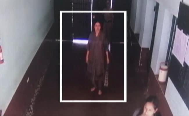 जेल में शशिकला को वीआईपी ट्रीटमेंट मिलने की खबरों के बीच तस्वीरें और वीडियो आए सामने