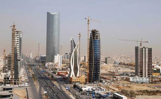 Saudi Arabia's revenues rose 6% from a year ago to 163.9 billion riyals in the second quarter