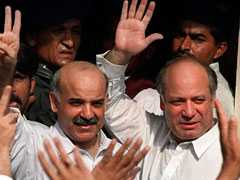 Pakistan's Anti-Corruption Body OKs Graft Reference Against Sharif Brothers