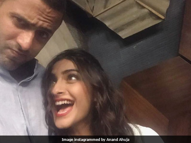 Did Sonam Kapoor Just Give Us A Status Update On Rumoured Relationship?