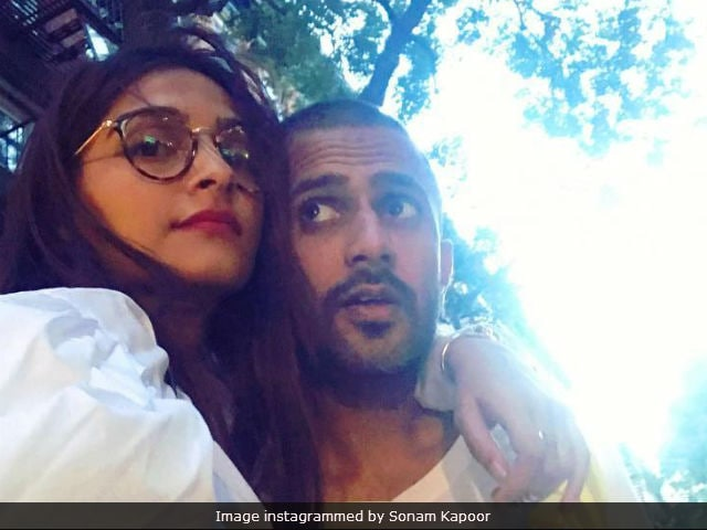 Sonam Kapoor Surprises Rumoured Boyfriend Anand Ahuja With 'Best Birthday Gift!'