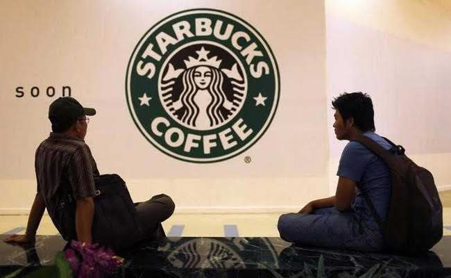 Starbucks offers first in-store augmented reality experience