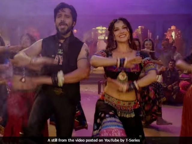 Sunny Leone Sizzles In Baadshaho Song Piya More. 'Hubba Hubba,' Says Twitter