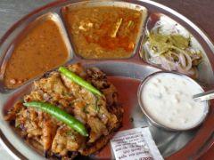 Chawla De Mashoor Special Naan: The Best Place to Eat Amritsari Chur-Chur Naan in Delhi