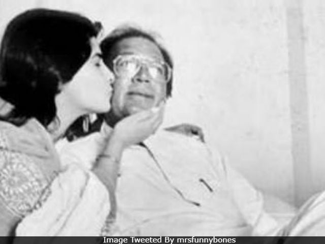 Twinkle Khanna Posts Old Pic Of Dad Rajesh Khanna On His Death Anniversary