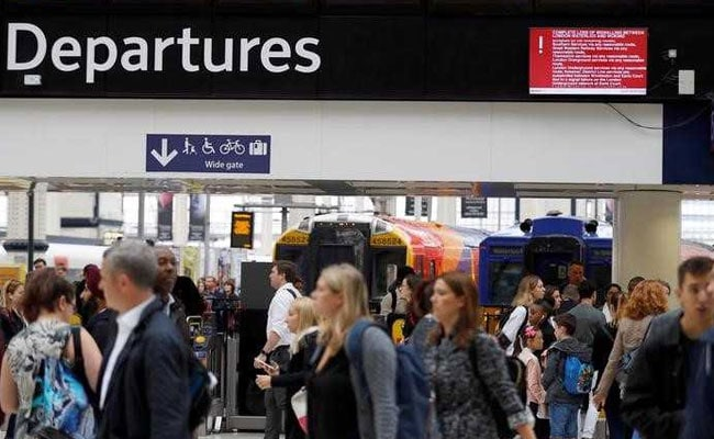 Signal Fault Strands Thousands Of Commuters At UK Busiest Rail Station