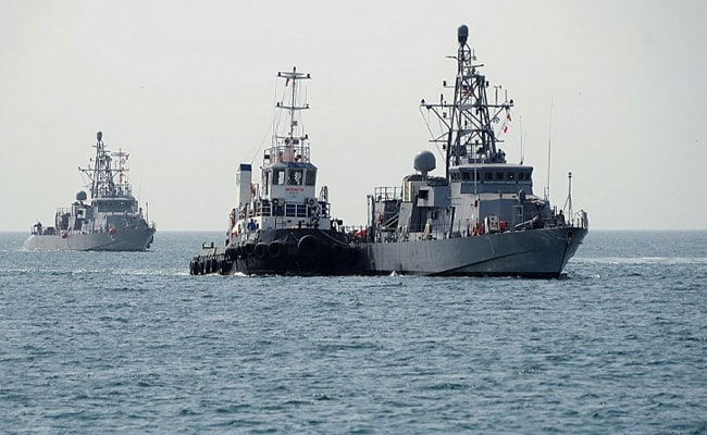 Iranian Navy Says US Patrol Boats Fired Flares