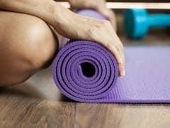 योग टिप्स: अगर बढ़ाना है कद, तो नियमित रूप से करें ताड़ासन