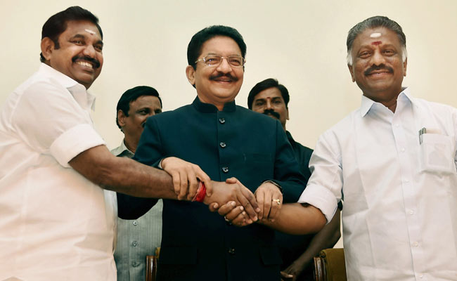 Lost Confidence In EPS, Pro-Sasikala Lawmakers Tell Governor