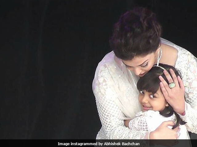 This Cute Pic Of Aishwarya Rai Bachchan And Aaradhya In Melbourne Yet