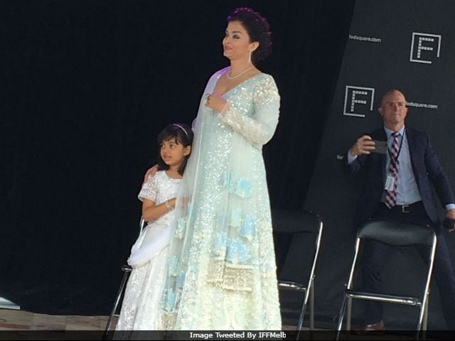 IFFM 2017: Aishwarya Rai Bachchan, Daughter Aaradhya Hoist Indian Flag In Melbourne