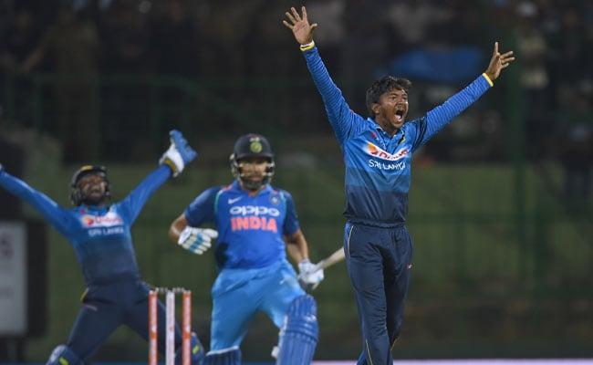भारत ने मैच जीता लेकिन श्रीलंका के कारपेंटर के इस बेटे ने दिल जीता, जानें- कौन है अकीला धनंजय