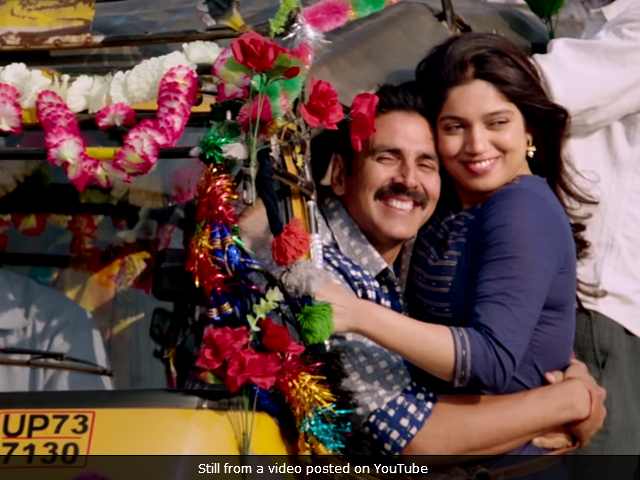 Toilet: Ek Prem Katha Celeb Review: Akshay's Film Will Trigger Revolution, Tweet Stars
