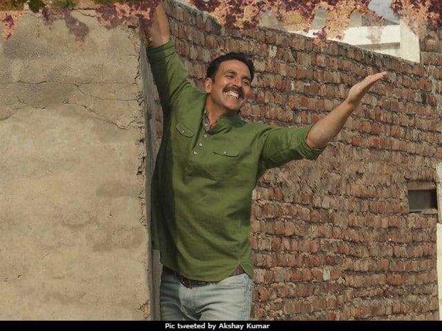 Akshay Kumar's Toilet: Ek Prem Katha - Red Letter Day For Blue Box Office? Here's First Day Prediction