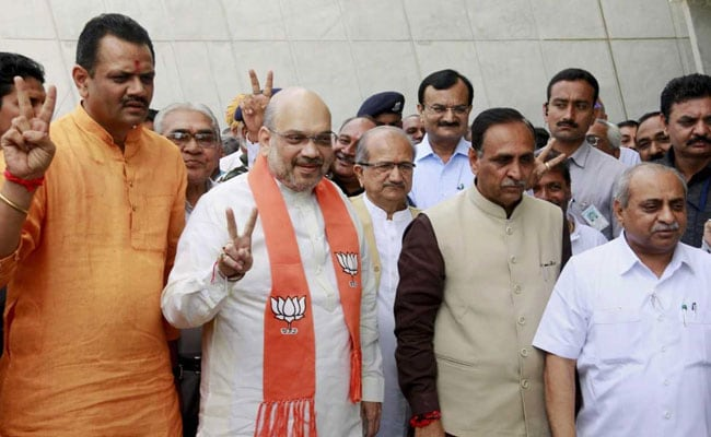 Modi greeted Amit Shah for winning in Rajya Sabha Elections