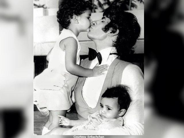 Amitabh Bachchan Shares A Priceless Pic Of Shweta Bachchan Nanda And Abhishek Bachchan