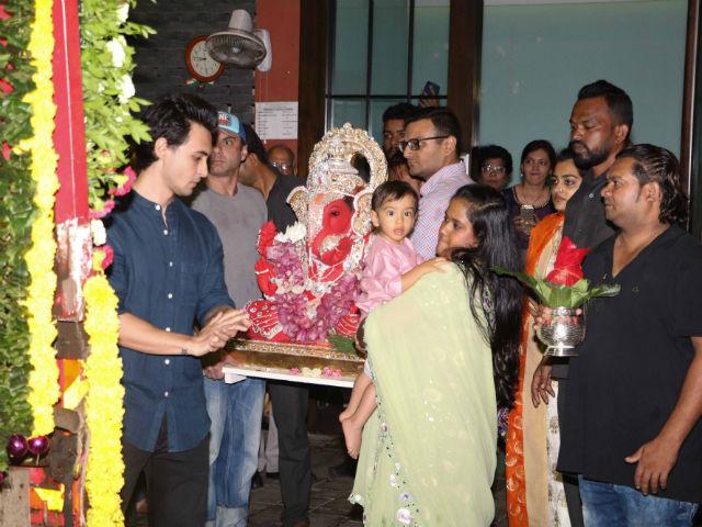 Ganesh Chaturthi 2017: Salman Khan's Sister Arpita And Ahil Celebrate Ganpati Visarjan