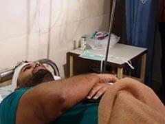 दिल्ली: मॉल के बाहर लड़के पर लोहे की छड़ और डंडों से जानलेवा हमला, मरा समझकर भागे हमलावर