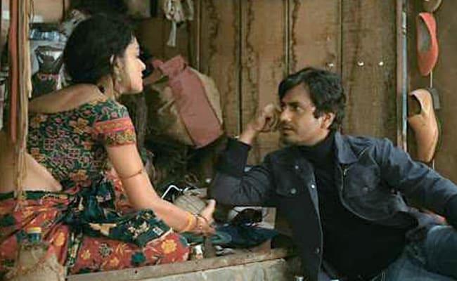 Movie Review: पुरानी कहानी के पैकेट में दमदार किरदारों का जमावड़ा है 'बाबूमोशाय बंदूकबाज'