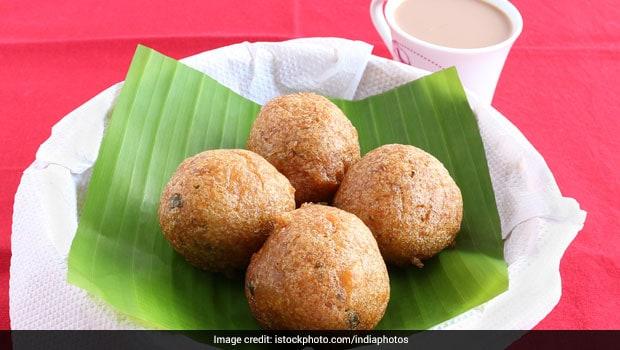 Sweet Bonda Dessert: Make Tasty South Indian Sweet Bonda In Just 20 Minutes
