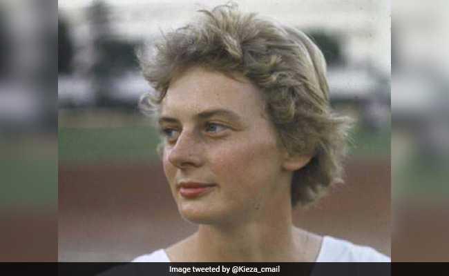 चार बार की ओलम्पिक चैम्पियन आस्ट्रेलियाई महिला एथलीट कुथबर्ट का निधन