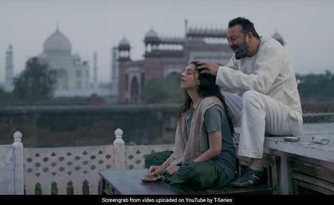 Bhoomi का ट्रेलर रिलीज, यहां साथ-साथ दिखे रीयल संजय दत्त और फिल्मी 'संजू बाबा' उर्फ रणबीर कपूर