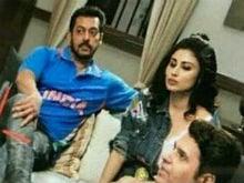 <I>Bigg Boss 11</i>: A Pic Of Salman Khan And Mouni Roy Is Breaking The Internet