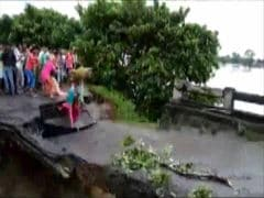 3 Swept Away As Bridge Collapsed In Bihar. Tragedy On Video