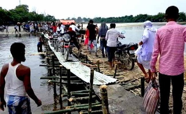 बिहार में बाढ़ की स्थिति में सुधार, पानी घटने के साथ ही अपने घरों को लौटने लगे हैं लोग