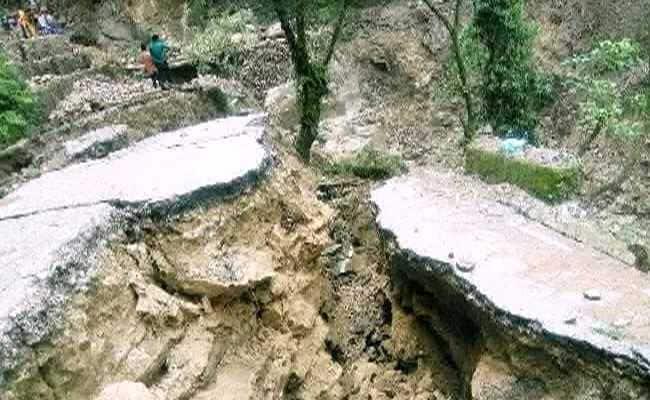 पिथौरागढ़ में बादल फटा, 7 लोगों की मौत- कैलाश मानसरोवर यात्रा रुकी