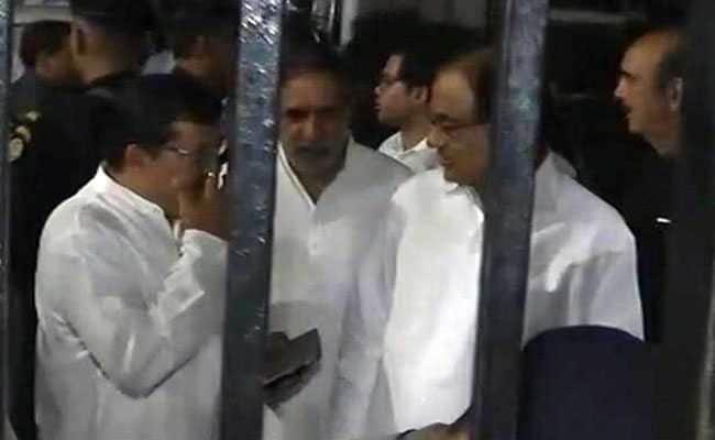 गुजरात राज्यसभा चुनाव : चुनाव आयोग ने रद्द किए दो वोट, वोटों की गिनती शुरू