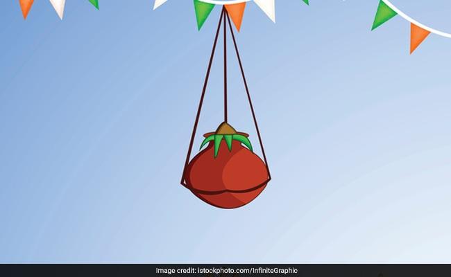 Janmashtami 2017: आखिर क्यों मनाया जाता है दही-हांडी का उत्सव, क्या है इसका महत्व