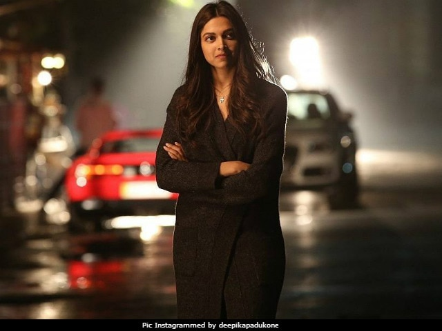 Mumbai Rain Disrupts City. Deepika Padukone, Priyanka Chopra And Others Post Updates And Life Hacks