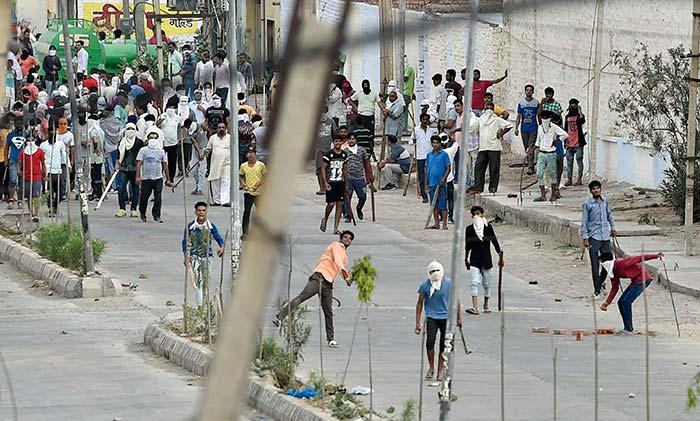 NEWS FLASH: डेरा हिंसा में मरने वालों की संख्या बढ़कर 36 हुई, 552 लोग गिरफ्तार: हरियाणा DGP