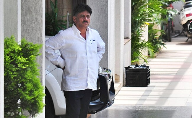 Raid On Karnataka Minister DK Shivakumar Finds 300 Crores 'Undisclosed Income': Sources