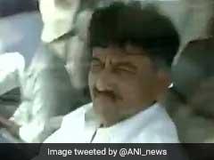 कर्नाटक के ऊर्जा मंत्री को है 'सेल्फी' से चिढ़, युवक को भुगतना पड़ा खामियाजा
