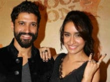 Why Shraddha Kapoor Particularly Wants Farhan Akhtar To Watch Her Film <I>Haseena Parkar</i>