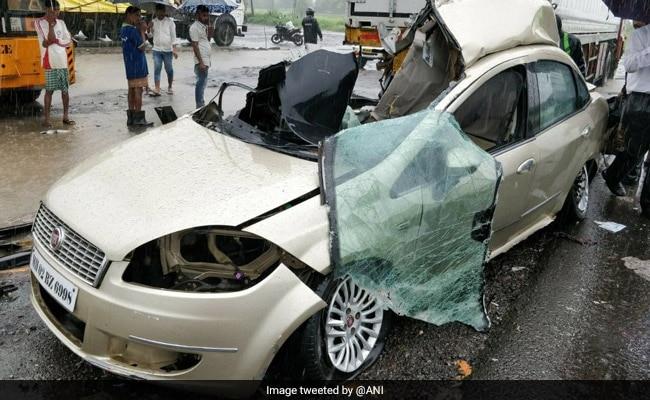 मुंबई-अहमदाबाद हाइवे पर भीषण सड़क हादसा, दो टीवी कलाकारों समेत तीन की मौत
