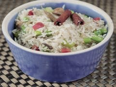 Fried Rice Recipes: मिनटों में होगी आपकी भूख शांत इन पांच बेस्ट फ्राइड राइस रेसिपीज़ के साथ