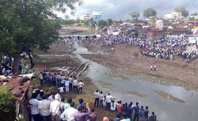 मध्य प्रदेश : छिंदवाड़ा में पत्थरों से खेले गए गोटमार मेले में एक व्यक्ति की मौत, 450 लोग घायल