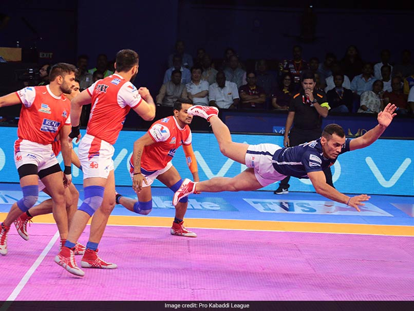 Pro Kabaddi League: Haryana Steelers Edge Dabang Delhi 27-25