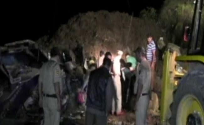 himachal landslide rescue night