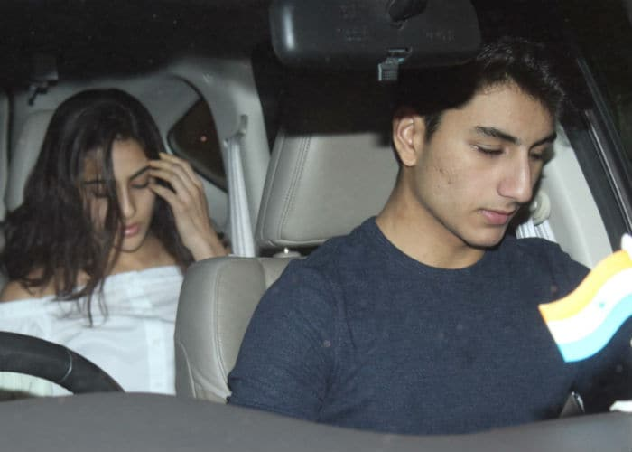Saif Ali Khans Birthday Party Kareena Kapoors Nude Lips, Saras Denim Boots Soon -1033