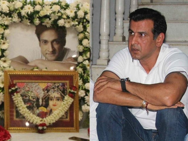Inder Kumar's Prayer Meet Attended By Kyunki Actor Ronit Roy And Other TV Stars
