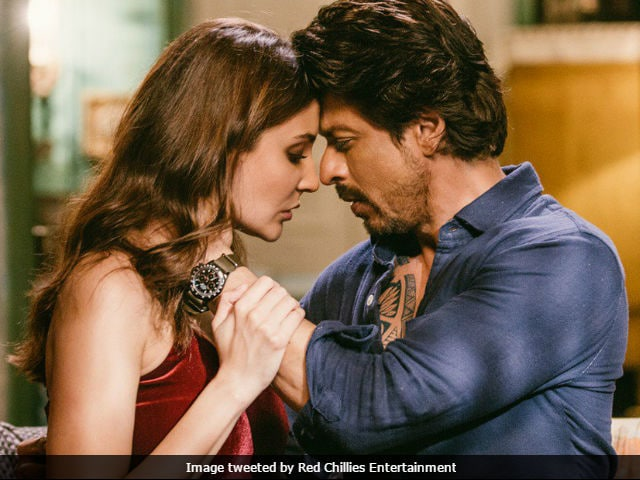 One Ticket Of Shah Rukh Khan's Jab Harry Met Sejal Is Priced At Rs 2,400 In A Delhi Theatre